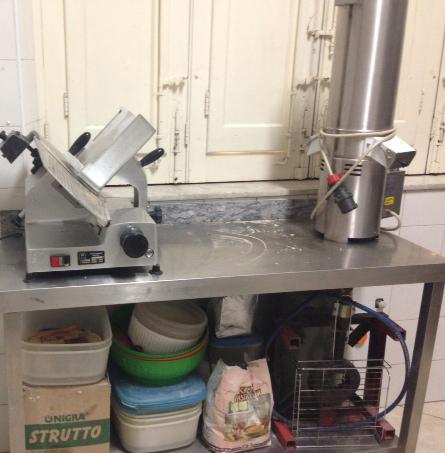 Attrezzatura usata panificio arredamento usato panificio for Arredamento gelateria usato
