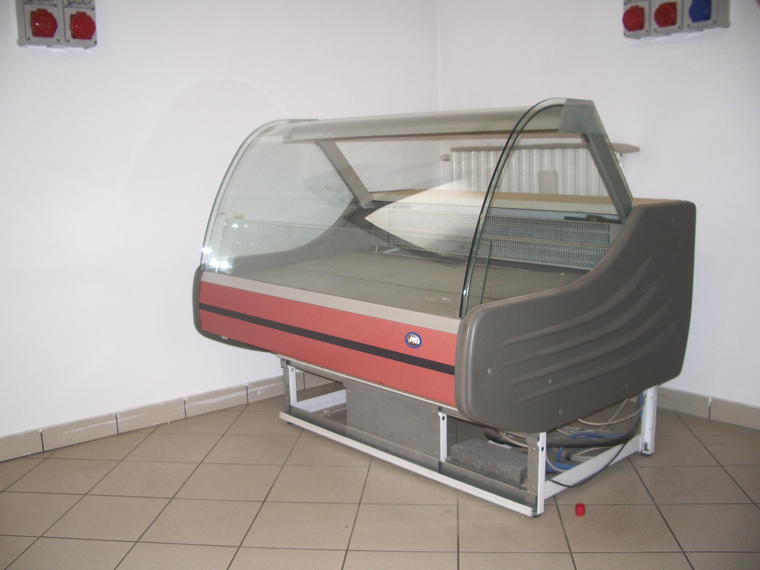 Offerta usato banco frigo 4 con cella sottostante for Banco frigo bar usato