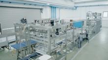 gea-technicians-assembling-a-cupcake-production-line_530910